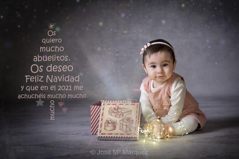 Sesión de estudio Navidad. Felicitación personalizada. Fotografía Infantil. Fotógrafos Granada