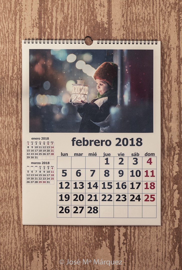 Calendario de Pared más anillas y colgador 30x40